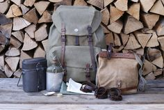 Each piece of this set functions perfectly for the task it was designed for. As a whole, it can be attached together for the ease and comfort of the end user. Swiss People, Swiss Army Backpack, Longhunter, Military Issue, Vintage Backpacks, Have Metal, Leather Conditioner, Cotton Bag, Switzerland