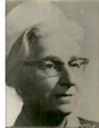 Esma Deniz, ilk kadın hemşiremiz, 1924 yılında Amerikan Hastanesi Hemşirelik okulunu bitirmesinin ardından, Amerika'da New York Columbia Üniversitesi, ...