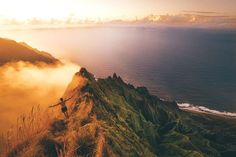 The top fifteen best hikes on Kauai. From epic waterfall hikes to exploring the unbelievable ridges of the Na Pali Coast, this is your Kauai Hiking Guide. Kauai Hawaii, Hawaii Hikes, Oahu, Utah Hikes, Kauai Hiking, Colorado Hiking, Kauai Vacation, Hawaii Travel, Skinny