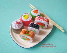 Easy Felt Crafts, Felt Diy, Crafts For Kids, Fabric Toys, Felt Fabric, Sushi Plush, Felt Cake, Felt Play Food, Food Patterns