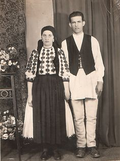 Eastern Europe, Romania, Hand Embroidery, Ruffle Blouse, Costumes, Traditional, Women, Fashion, Folklore