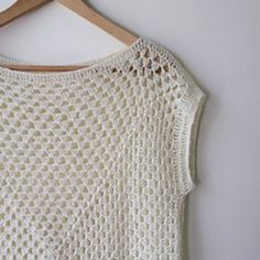 Free crochet pattern! :) http://www.ravelry.com/patterns/library/amma-granny-square-top