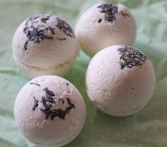 Gorgeous handmade lavender scented bath bombs by SnowballLondon