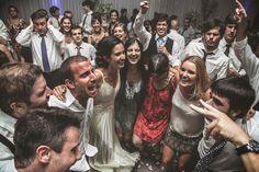 Más fotos de este casamiento:http://www.wedstyle.com.ar/wedstyle/blog/un-casamiento-con-mucho-agite-casamientos-reales/