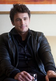 Interview with James Franco                                                                                                                                                                                 もっと見る
