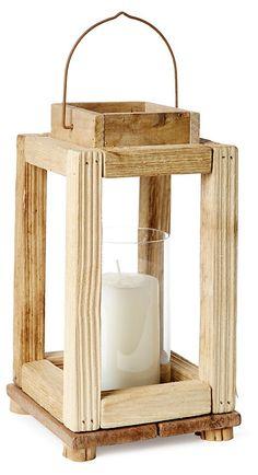 Lanterna de mão de madeira de reuso