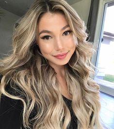 Blonde Asian Hair, Balayage Asian Hair, Hair Color Asian, Dyed Blonde Hair, Blonde Hair With Highlights, Brown Blonde Hair, Asians With Blonde Hair, Brown Curls, Sandy Blonde