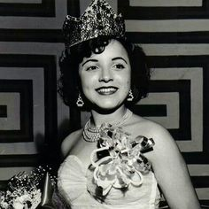 Miss Massachusetts 1951 ~ Mildred Almeida a Cape Verdean ~ American   https://books.google.com/books?id=ETPkPSRwS5YC&pg=PA105&lpg=PA105&ots=5pDF20ACuY&focus=viewport&dq=mildred+almeida&output=html_text