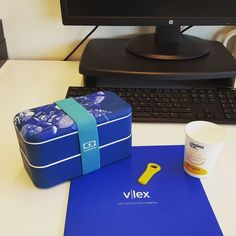 Primer día de trabajo starter pack #vlex #work #working #monbento #coffee #coffeetime