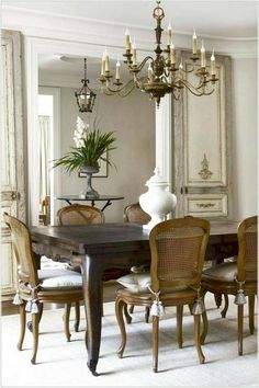 40 Best Dining Table Design Ideas - Page 5 of 40 French Country Dining, French Country Kitchens, French Country Decorating, French Farmhouse, Comedor Shabby Chic, Dining Table Design, Dining Room Furniture, Dining Rooms, Home Decor Inspiration