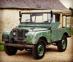 #landrover #landroverseries #landroverdefender #rover #series1 #rangerover #classic #vintage #patina #cool #4x4 #4wd #instadaily #instagram #instagood #photooftheday #picoftheday #pic #photo #like4like #follow #gentleman #style #awesome #understatedcoolness #toolegittoquit Too legit...too legit to quit!!