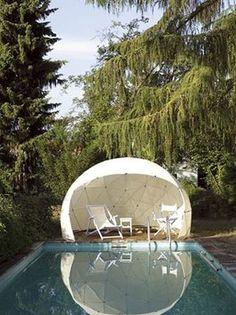 Découvrez 15 igloos de jardin ! C'est génial   #serre géodésique #igloo de jardin #jardin #igloo