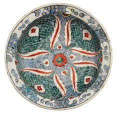 An Iznik polychrome pottery dish, Turkey, circa Glazes For Pottery, Ceramic Pottery, Pottery Art, Turkish Art, Turkish Tiles, Ottoman, Pottery Designs, Ancient Artifacts, Ceramic Plates