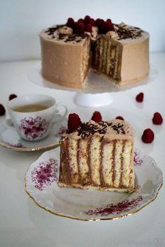 Perfekt zum Sonntagskaffee - Wickeltorte mit Nougatcreme!