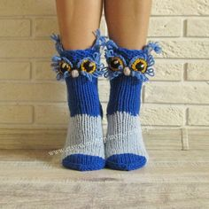 Owls knitted socks! The cutest wool knit socks ever!  Socks - Toy. Owl socks. Socks - handmade gift! Perfect to give as a gift.  Very warm and cozy, perfect for cold winters, to run around the house.  We hand knit our socks with 50% wool to make them last longer and still be very warm. SHIPPING: all items are shipped within 1-3 days from Belarus, Eastern Europe  DELIVERY takes: 1-2 weeks to Europe 2-4 weeks to the USA NOTE that it can take longer depending on the time of the year (plan ahead…