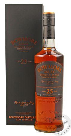 Bowmore 25 Years Old Good Whiskey, Cigars And Whiskey, Scotch Whiskey, Rum Bottle, Liquor Bottles, Whiskey Decanter, Whiskey Glasses, Spiritus, Single Malt Whisky