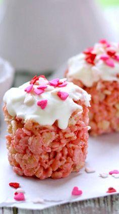 Strawberry Rice Krispie Cakes.