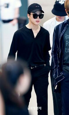 Jimin ❤ BTS At Incheon Airport! Arrival home after the BBMAs and the WINGS tour in Sydney~ (PRESS - 170527) #BTS #방탄소년단