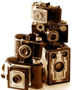 YUMMY Love a good display of old camera's!