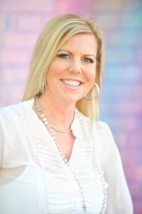 TheirStory Matter with Sara Troy and her guestJanelle Hoyland airs June 28th-July 4th JANELLE BIO Soul Pathway Healer/ International Best-Selling Author/ Visionary/ Spiritual Teacher Janelle Ho…