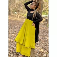 Yellow heavy georgette party wear plazzo suit Indian Fashion Trends, Indian Fashion Dresses, Indian Designer Outfits, Designer Dresses, Fancy Dress Design, Stylish Dress Designs, Stylish Dresses, Simple Dresses, Pakistani Formal Dresses