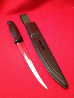 Fiskars Finland Stainless Steel Filet Knife With Case & Sharpener