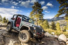 2013 Jeep Wrangler Rubicon 10th Anniversary Edition: Details and Features