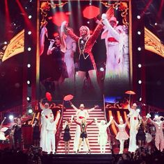 Our Melbourne final bows.... #redtour
