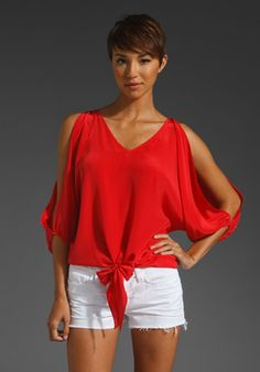 adorable top (and love the color combo!)