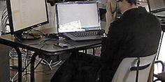 SONOSPHERES [ article ]   WORKSHOP SONDE 04#12. La Chartreuse lez Avignon. 2012. Villeneuve-lès-Avignon. La chartreuse met scène le jeu vidéo et la rue. Article par le Midi Libre publié le 05 avril 2012.  Source : http://www.midilibre.fr