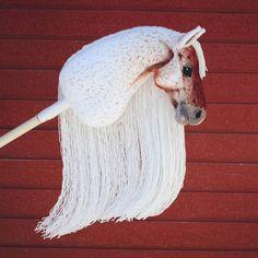"horse pattern ""Carnival Candy"", a hobbyhorse by Eponi. Crochet Pony, Stick Horses, Cute Horses, Horse Bridle, Breyer Horses, Looney Tunes, Plush Horse, Diy Carnival, Horse Pattern"