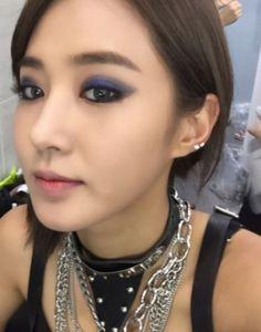 少女時代のユリが2年前の写真を公開した。11日、ユリは自身のInstagramに「2年前? メイクが気に入って撮っておいた写真」という書き込みとともに写真を掲載した。写真のユリは濃いメイクで強烈な雰… - 韓流・韓国芸能ニュースはKstyle
