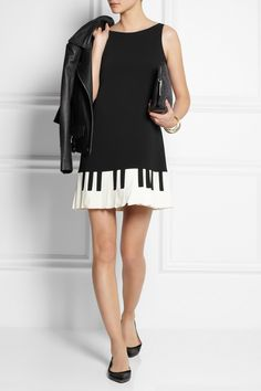moschino-cheap-and-chic-black-piano-key-print-stretch-crepe-mini-dress-product-1-16237149-0-647961853-normal.jpeg (920×1380)