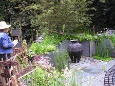 garden sculpture focal point
