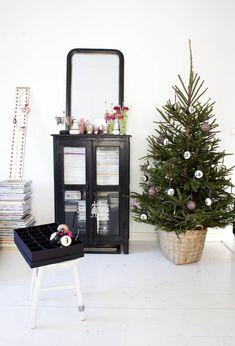 Scandinavain style Christmas home decorating ideas DIY -Mrs Jones | Kodin Kuvalehti
