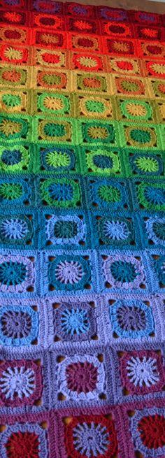 Rainbow Blanket PATTERN (English) CAL Rainbow Blanket pattern out of granny squaresCAL Rainbow Blanket pattern out of granny squares Crochet Crafts, Crochet Yarn, Crochet Stitches, Crochet Projects, Crotchet, Crochet Toys, Rainbow Crochet, Crochet Granny, Crochet Motif