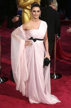 Penelope Cruz arriving at the 86th Annual Academy Awards at the Hollywood & Highland Center in Hollywood, California on March 2, 2014.
