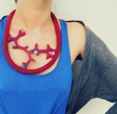 Lidia Puica - Crochet necklace inspired by aquatic shapes with Agate beads. €63.99      Overview      Handmade item     Materials:...
