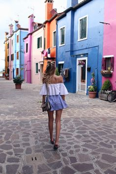 ohh-so colorful Burano | Venice, Italy: http://www.ohhcouture.com/2016/07/monday-update-27/ | #ohhcouture #leoniehanne