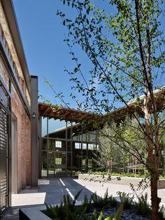 Hughes Warehouse Adaptive-Reuse / Overland Partners