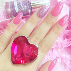 Find and save all things pink. We love pink in fashion, makeup, food, flowers, interiors and so much more. Soft Grunge, Manicure Y Pedicure, Glitter Hearts, Everything Pink, Kawaii Fashion, Nails Inspiration, My Favorite Color, Girly Girl, Barbie World