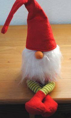 Nachdem ich den vierten Weihnachtswichtel fertig genäht habe und noch ein paar Kleinigkeiten abgeändert habe, ist es jetzt soweit:    ...