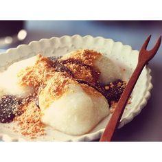 テレビやラジオでも話題沸騰中の「豆腐わらび餅」のレシピ♡ 低カロリーで良質なたんぱく質たっぷりだからダイエット中でも食べてOK!とっても簡単な作り方をぜひおさらいしてみましょう。