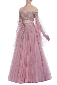 The latest Anushree Reddy 2018 Bridal Wear Collection has tons of pink shades, some ivory, greys and few traditional bridal lehengas. Indian Fashion Dresses, Indian Designer Outfits, Designer Dresses, Indian Designers, Indian Wedding Outfits, Indian Outfits, Indian Attire, Indian Lehenga, Lehenga Choli