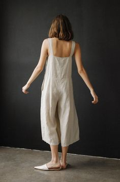 Style Edit: All-in-One The ease and effortlessness of the singular garment. Loose knits and linen shapes from Lauren Manoogian and Ilana Kohn and tailored silhouettes from Rachel Comey have got you covered. Simple Style, Style Me, Look Fashion, Womens Fashion, Fashion 2018, Dress Fashion, Ethical Fashion, Fashion Pants, Fashion Trends