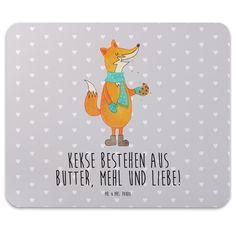 Mauspad Druck Fuchs Keks aus Naturkautschuk  black - Das Original von Mr. & Mrs. Panda.  Ein wunderschönes Mouse Pad der Marke Mr. & Mrs. Panda. Alle Motive werden liebevoll gestaltet und in unserer Manufaktur in Norddeutschland per Hand auf die Mouse Pads aufgebracht.    Über unser Motiv Fuchs Keks  Die Fox-Edition ist eine besonders liebevolle Kollektion von Mr. & Mrs. Panda. Jedes Motiv ist - wie immer bei Mr. & Mrs. Panda - handgezeichnet und wird in unserer Manufaktur im Herzen…