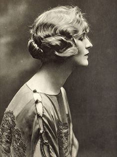 Royals & Aristocrats Familia Windsor, Lady Audley's Secret, Canadian Actresses, Cinema, Real Beauty, Historical Photos, The Past, Statue, Royals