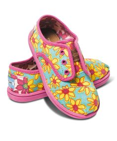 Look at this TOMS Yellow Daisy Classic Cordones - Tiny on #zulily today!