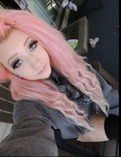Pastel hair want this color!