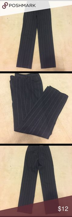 Dockers Charcoal Trousers with Gray/Red Pinstripe Dockers Women's Metro Pant Trousers lightly worn but in excellent condition. Color is charcoal grays with light gray & burgundy red pinstripes. Material is 76% cotton, 20% polyester & 4% Lycra. Size 4 Medium. Waist = 29 inches. Dockers Pants Trousers
